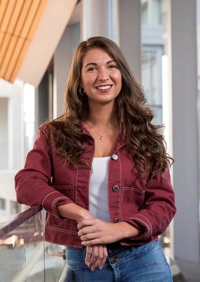 Picture of Alisha Zafar, KLN '16